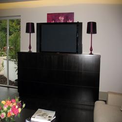 Audio Visual Unit With Motorised TV Lift