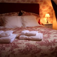 romantic B&B room pyrenees